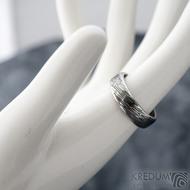 Prima line - vel 55, šířka 5,7 mm, tloušťka 1,7 mm, lept 75% TM, profil B - Snubní prsten kovaná nerezová ocel damasteel, SK1613 (3)