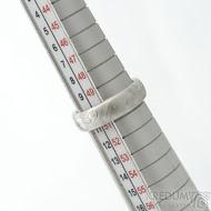 Prima - překované dřevo - 51, šířka 5 mm, tloušťka 1,7 mm, lept 75%SV, B - Damasteel snubní prsteny - sk1784