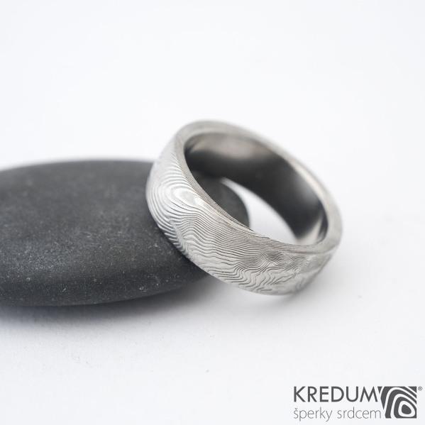 Prima - překované dřevo, lept 75% sv, vel 50, šířka 6,1 mm, tloušťka 1,8 mm, profil B - Damasteel snubní prsteny - sk1298