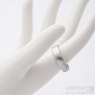 Prima, překované dřevo - velikost 60,5, šířka 5,1 mm, tloušťka 1,5 mm, lept světlý, profil B - Damasteel snubní prsten - sk2658