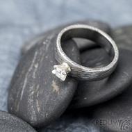 Prima Princezna zirkon 4,5 mm - 53, š 5mm, tl 1,8 mm, korunka 3,5 mm, voda 75TM, B - damasteel zásnubní prsten, SK1638 (10)