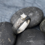 Prima Princezna zirkon 4,5 mm - 53, š 5mm, tl 1,8 mm, korunka 3,5 mm, voda 75TM, B - damasteel zásnubní prsten, SK1638 (9)