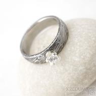 Prima Princezna zirkon 4,5 mm - 53, š 5mm, tl 1,8 mm, korunka 3,5 mm, voda 75TM, B - damasteel zásnubní prsten, SK1638 (2)