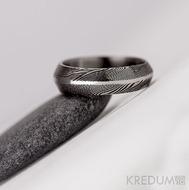 Prima s broušenou linkou - 51, šířka 5,6 mm, tloušťka 2 mm, lept 75% zatmavený, linka 1 mm - S957