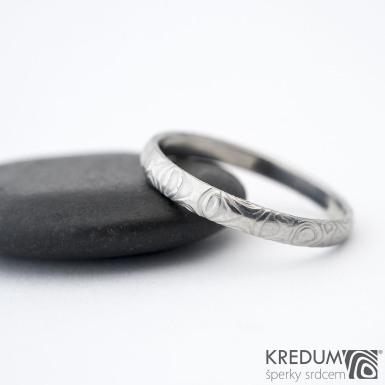 Prima kolečka - Kovaný snubní prsten z oceli damasteel, SK1285