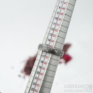 Prima vítr - velikost 56,5, šířka 5,2 mm, tloušťka 1,7 mm, lept 75% zatmavený, profil B - Snubní prsten damasteel, SK1706 (2)