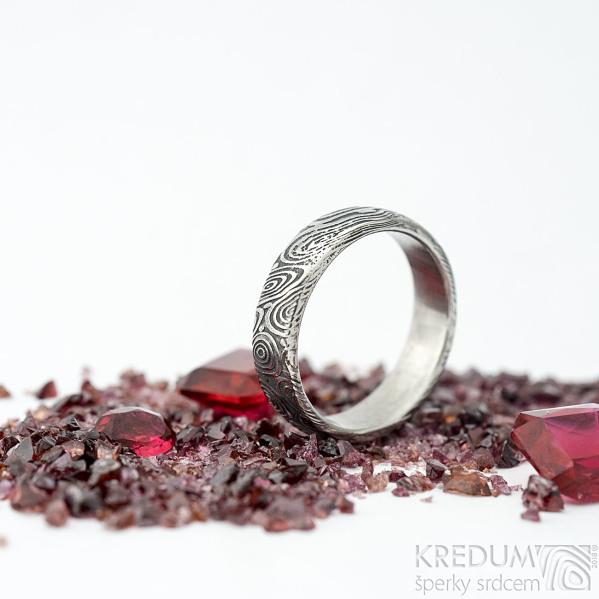 Prima vítr - velikost 56,5, šířka 5,2 mm, tloušťka 1,7 mm, lept 75% zatmavený, profil B - Snubní prsten damasteel, SK1706 (3)