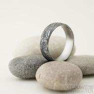 Prima voda - velikost 61, šířka 6,5 mm, tloušťka 1,7 mm, lept 100% TM, profil E - Damasteel kované snubní prsteny - sk1981 (5)