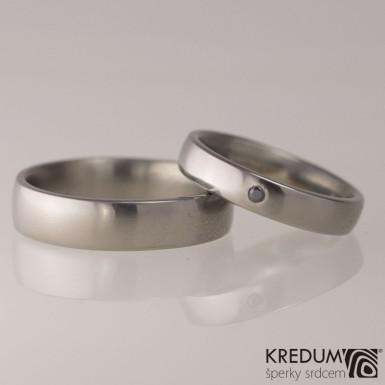 Prsten kovaný - Klasik titan a černý diamant 1,7 mm