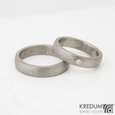 Prsten kovaný - Klasik titan a čirý diamant 1,7 mm, povrch hrubý mat