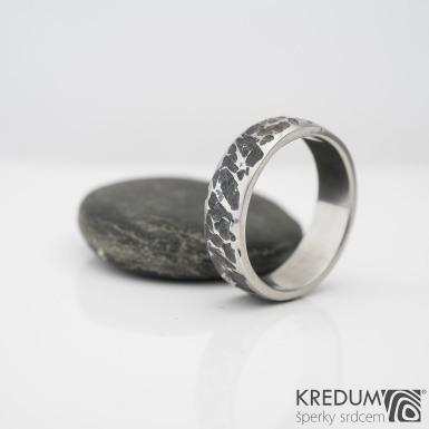 Achreos Line - Kovaný nerezový snubní prsten, S984