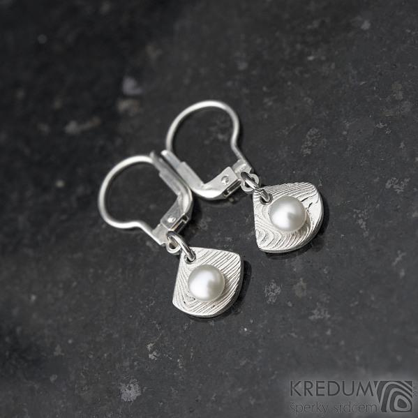 Raníčky dětské - dřevo + stříbrná klapka - Kované damasteel naušnice a perly - k 1390 (2)
