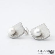 Raníčky - dřevo - Kované damasteel naušnice a perly - SK1486