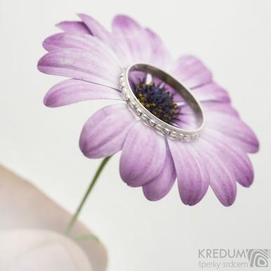 Retro snubní prsten 9 Poupě stříbro