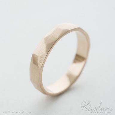 Rock gold red - zlatý snubní prsten - SK3931