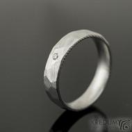 Rocksteel a čirý diamant 1,7 mm - 52, šířka 4,5 mm, tloušťka střední, dřevo 50% světlý lesklý - Damasteel snubní prsteny