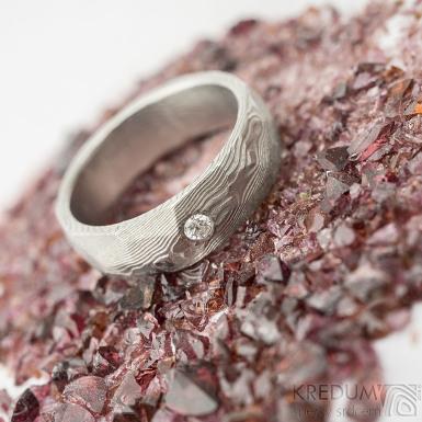 Rocksteel a čirý diamant 2,3 mm - 55, šířka 6 mm, tloušťka 2 mm, dřevo 75% SV - Damasteel snubní prsteny - et 1737 (5)