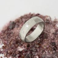 Rocksteel a čirý diamant 2,3 mm - 55, šířka 6 mm, tloušťka 2 mm, dřevo 75% SV - Damasteel snubní prsteny - et 1737 (2)