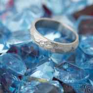 Rocksteel a čirý diamant 2 mm, dřevo - vel 49, š 4 mm, tl střední, 75% SV - Damasteel snubní prsteny - k 1485 (3)