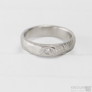 ROCKSTEEL a čirý diamant 2 mm - struktura dřevo - Kovaný snubní prsten damasteel
