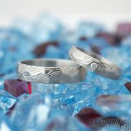 Rocksteel a diamant 2 mm, dřevo - vel 49, š 4 mm a vel 62, š 5 mm, tl střední, 75% SV - Damasteel snubní prsteny - k 1485