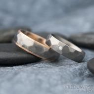 Rocky titan red - vel 63, š 6 mm a Skalák titan 1,7 mm diamant vel 52,5, š 5mm - Zlaté a titanové snubní prsteny - k 1311 (2)