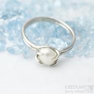 Roots - velikost 55 - Stříbrný prsten a říční perla - k 1558 (7)