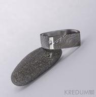 Round Square a diamant 1,5 mm - 53,5 5,4 mm 75% TM leštěné boky - Damasteel snubní prsten, S1024 (4)