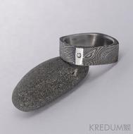 Round Square a diamant 1,5 mm - 53,5 5,4 mm 75% TM leštěné boky - Damasteel snubní prsten, S1024
