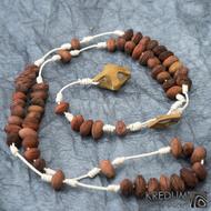 Peckový růženec - hnědý/bílý