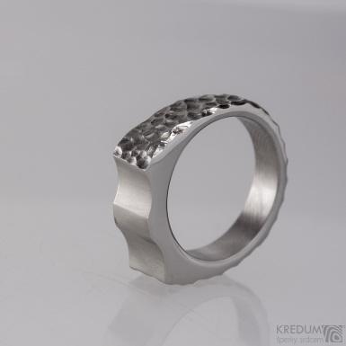 Wave - Kovaný nerezový prsten