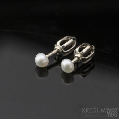 Kiki Golden white 4 mm, produkt č. 2133 - Perlové náušničky se zlatým zapínáním