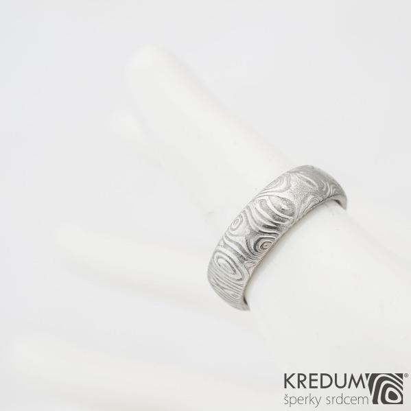Prima kolečka - Kovaný snubní prsten z oceli damasteel, velikost 51, S 977
