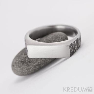 SEAL - Kovaný nerezový prsten - povrch draill