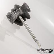 Ručně kovaný přívěsek z oceli damasteel - Sekera Viki