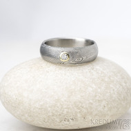 Siona a diamant 2,3 mm do žlutého Au - 46, šířka 5, tloušťka 1,6 - 2,2 , TW - 50%SV - Damasteel snubní prsteny - sk1656 (2)