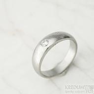 Siona a diamant 3 mm - vel 54,5, šířka hlavy 5 mm do dlaně 4 mm, dřevo - lept 25% sv, B - Damasteel zásnubní prsten - k 1462