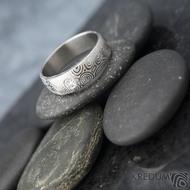 Siona a čirý diamant 3 mm - struktura kolečka - Kovaný prsten damasteel