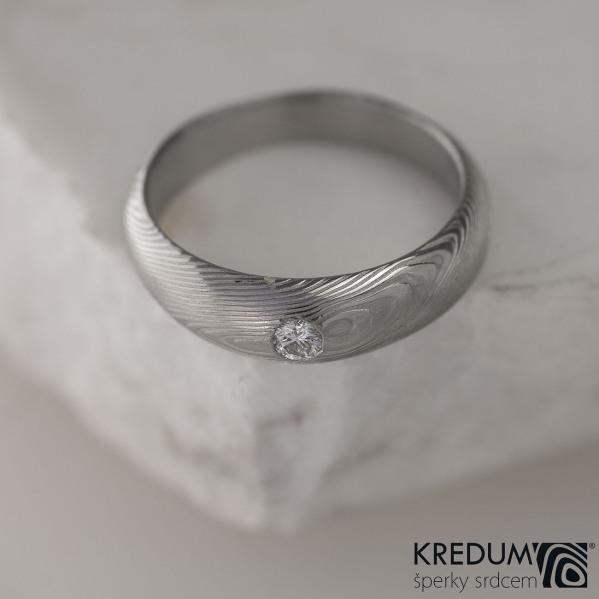 Kovaný prsten damasteel a diamant 2,70 mm - Siona white - dřevo
