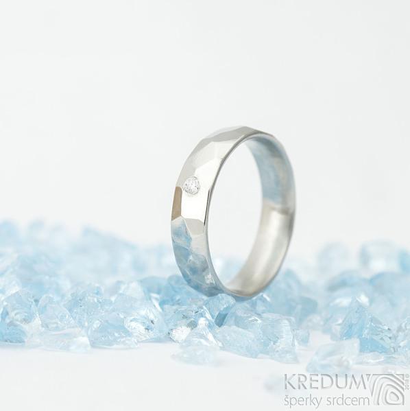 Skalák a čirý diamant 2 mm - velikost 55, šířka 5 mm, tloušťka střední, lesklý - Nerezové snubní prsteny - k 1578