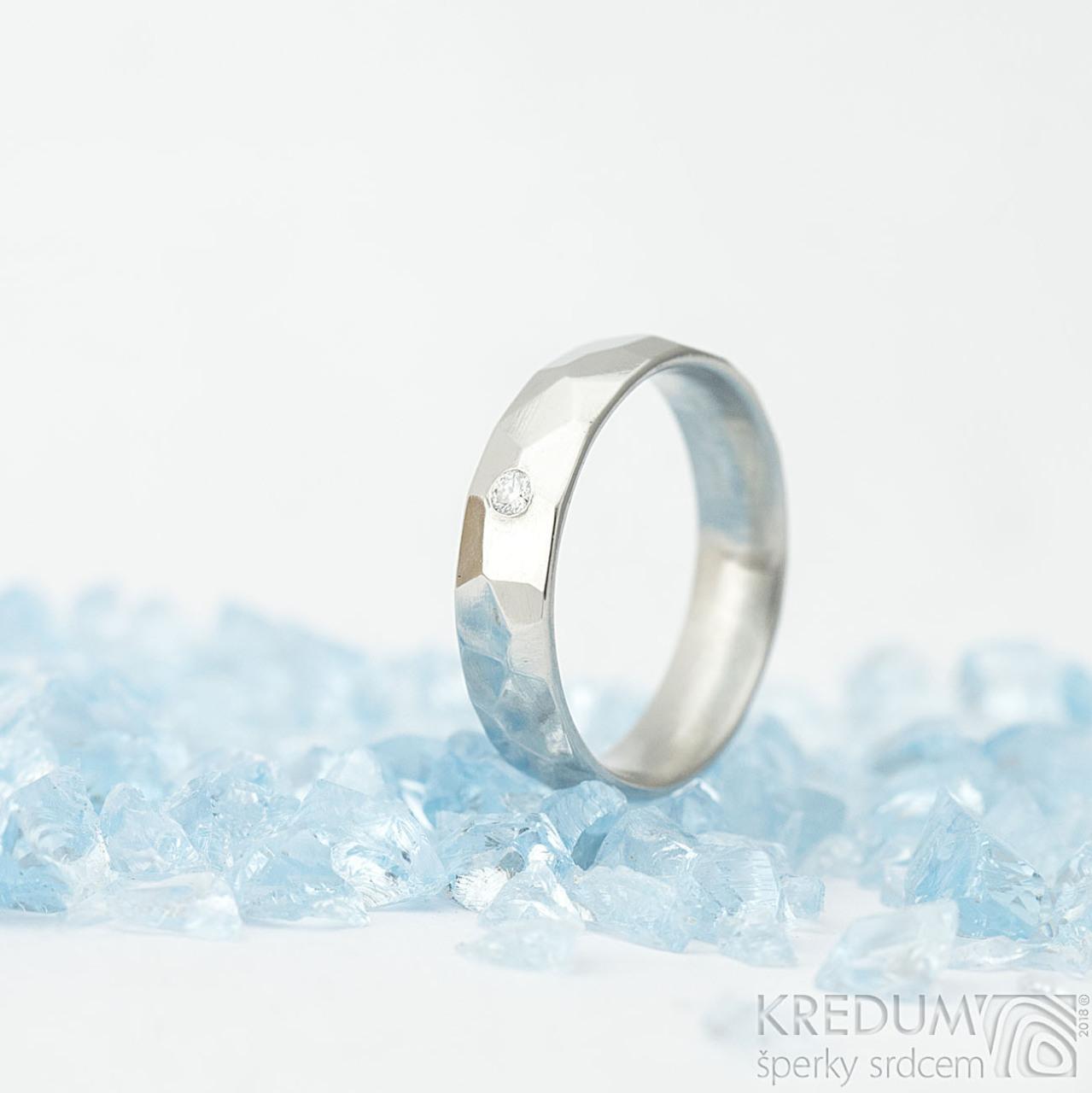 Skalak A Ciry Diamant 2 Mm Leskly Kovany Nerezovy Snubni Prsten