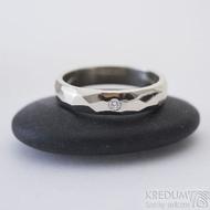 Skalák gold white a čirý diamant 2 mm - velikost 54, šířka 4 mm, tloušťka 1,6 mm, bílé zlato, lesklý - Zásnubní prsten - k 2467 (3)