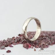 Skalák gold white - lesklý - velikost 55, šířka 4,5 mm, tloušťka 1,3 mm - Zlatý snubní prsten, SK2058 (3)