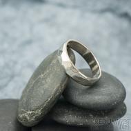 Skalák gold white - lesklý - velikost 55, šířka 4,5 mm, tloušťka 1,3 mm - Zlatý snubní prsten, SK2058