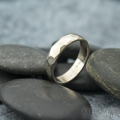 Skalák gold white - lesklý - velikost 55, šířka 4,5 mm, tloušťka 1,3 mm - Zlatý snubní prsten, SK2058 (4)