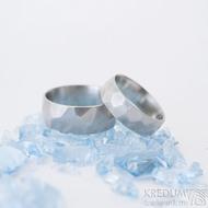 Skalák matný - velikost 53,5; šířka 6 mm, tloušťka slabá a velikost 60; šířka 8 mm, tloušťka slabá - Ocelové snubní prsteny