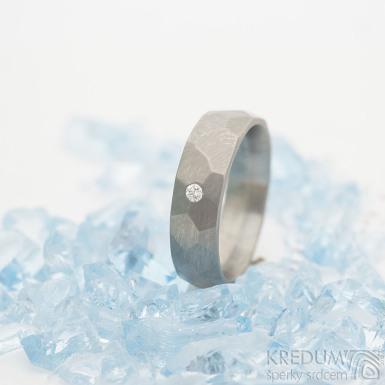 Skalák titan a čirý diamant 2 mm - 53, šířka 5,5 mm, matný - Titanový snubní prsten