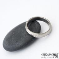 Skalák titan a  diamant 1,5 mm - vel 54, šířka 4,2 mm tloušťka 1,6 mm, lesklý - Titanový snubní prsten - sk1430 (2)