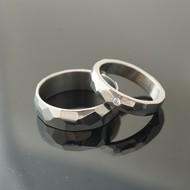 Skalák titan lesk a diamant 2 mm - 52, šířka 4 mm tloušťka střední a 61, šířka 6 mm, tloušťka slabá - Prsteny z titanu - K 2320