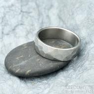 Skalák titan lesklý - 64, šířka 7 mm, tloušťka střední - Snubní prsteny z titanu